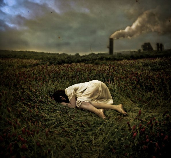 brooke-golightly-photography-brunette-girl-woman-laying-grass-flowers-texture-dark-pollution
